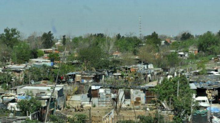 La normativa define como barrio popular a aquellos en los que residan  un mínimo de ocho familias agrupadas o contiguas