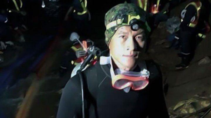Saman Kunan tenía 38 años y había formado parte de la Marina de su país.