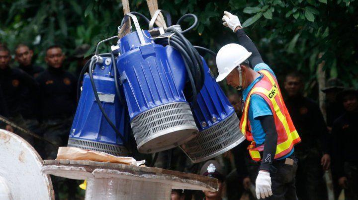 Un buzo israelí advierte que el rescate en Tailandia podría ser una catástrofe