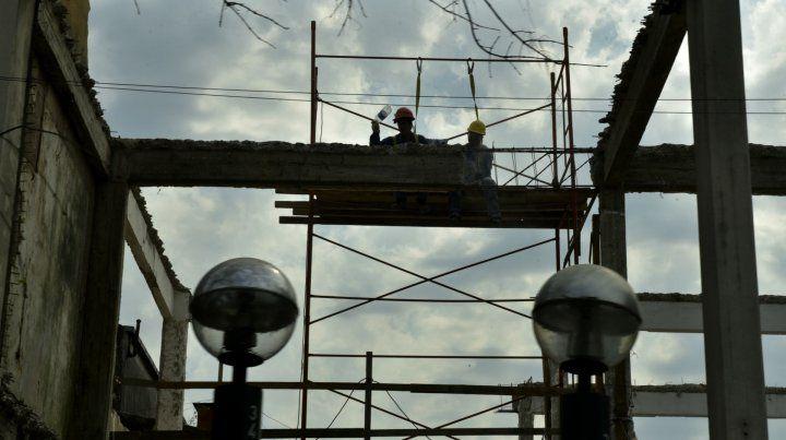 Desaceleró en mayo el empleo registrado en la construcción