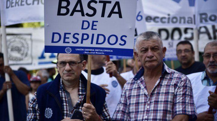 Excluidos. Los trabajadores van quedando sin protección y pierden derechos.