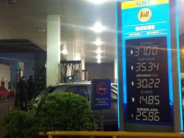 En alza. Las naftas acusan la suba de los biocombustibles.