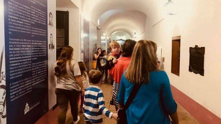 Los visitantes vienen de localidades de la región y de distintas provincias del país.