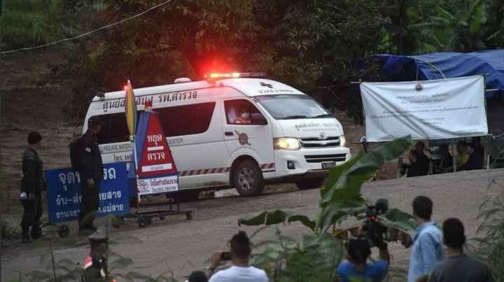 Confirman que son cuatro los chicos rescatados de la cueva en Tailandia