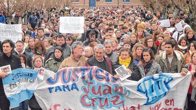 Miles. La marcha se realizó ayer a la tarde en la localidad de 4.000 habitantes del sur santafesino.