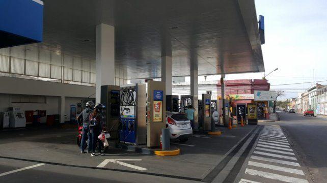 En una estación de servicio de Corrientes la nafta premium cotiza a 43
