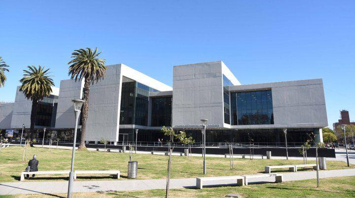 Durante una audiencia que se realizó en el Centro de Justicia Penal el imputado estuvo presente y brindó su consentimiento.