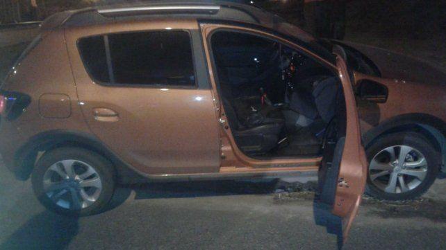 El vehículo que fue robado en la zona sur de Rosario terminó chocado en Pueblo Nuevo