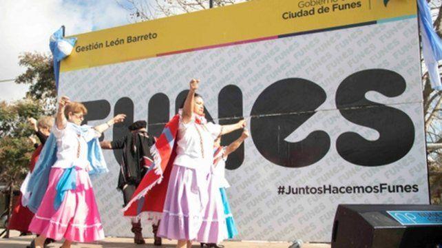 Baile y música en la plaza Don Bosco.