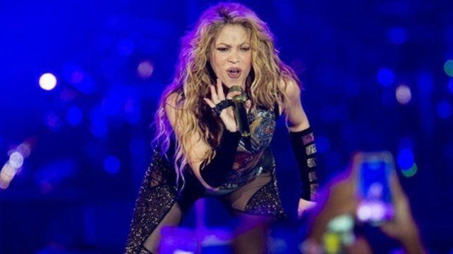 A pleno. Shakira cantó delante de Piqué y de sus hijos en Barcelona.