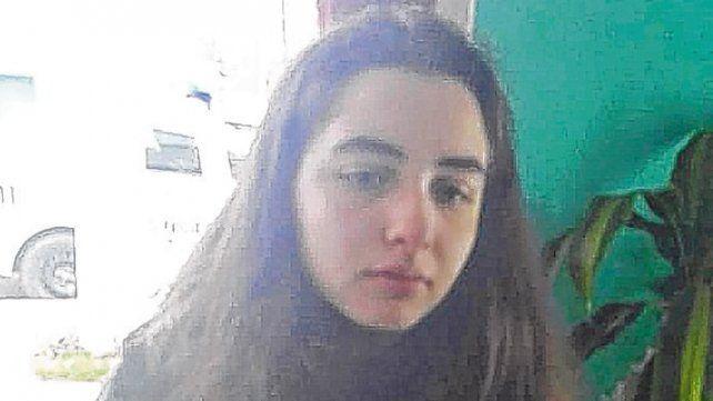 Mirada. La joven tal cual fue fotografiada en una dependencia policial.