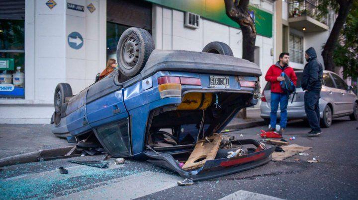 El violento impacto fue en Dorrego y San Juan.