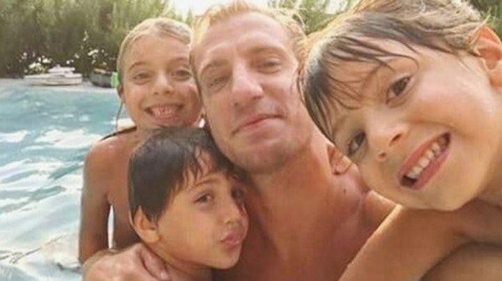 Maxi López publicó una reflexión junto a fotos de sus hijos con los colores del Inter