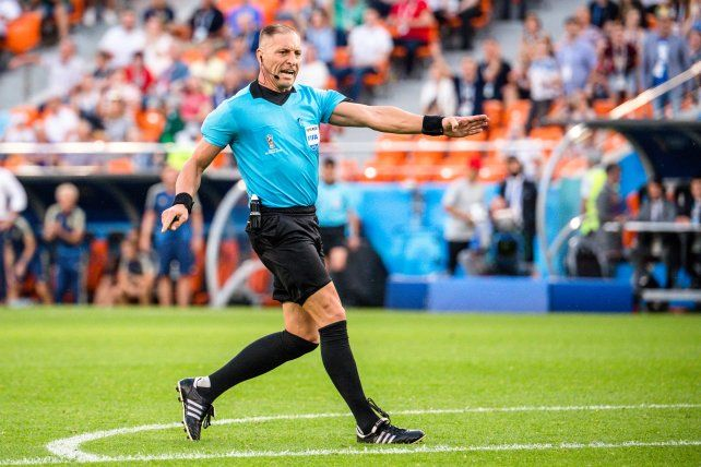 El argentino Néstor Pitana dirigirá la final entre Francia y Croacia