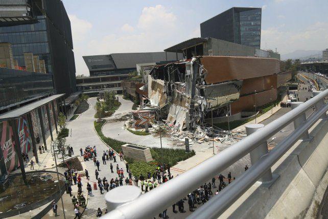 Los clientes fueron evacuados momentos antes de producirse el derrumbe.