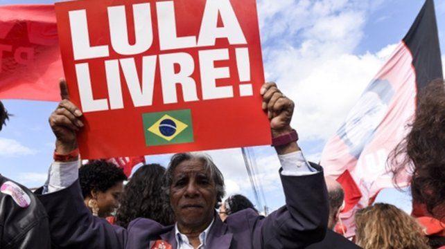 Clamor. Manifestantes piden la liberación de Lula