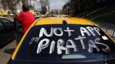 Los taxistas, en pie de guerra contra el desembarco de Uber en Rosario.