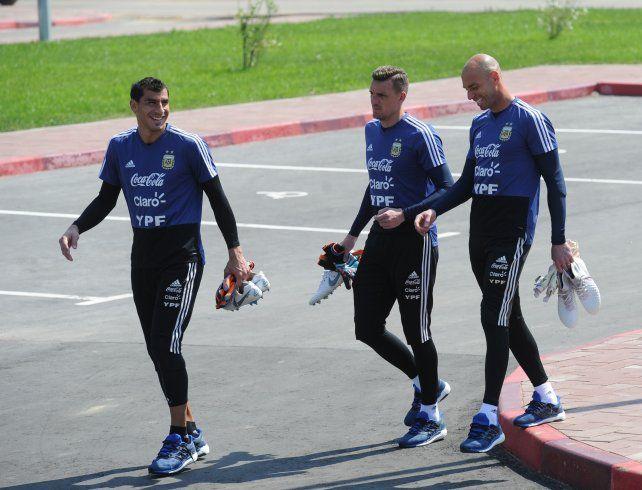 El Patón, Armani y Caballero, los arqueros de la selección en el Mundial.