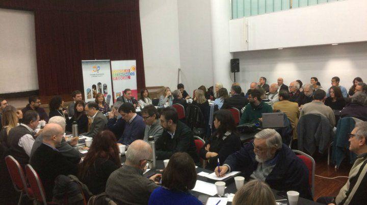 Los ministros Genesini y Ciciliani participaron de la reunión del Consejo Económico y Social de Rosario. Monitorean la situación social.