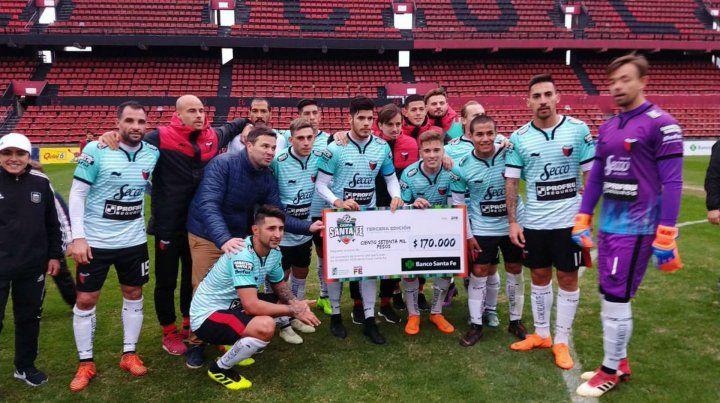 El colectivo que donó Colón a un club amateur