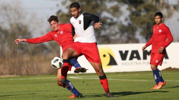 Los suplentes de Newells empataron sin goles contra Unión
