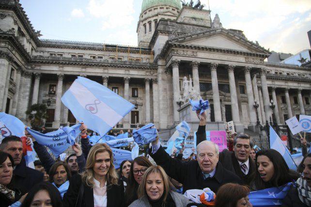 Sacerdotes afirman que por el debate del aborto, más fieles argentinos concurren a misa