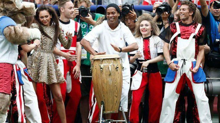 Ronaldinho hizó delirar al público a pura música