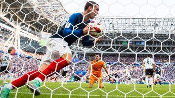 Griezmann festeja uno de los goles franceses ante la Argentina.