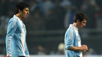 Burdisso contó cómo casi se pelea con Messi en el vestuario de la selección