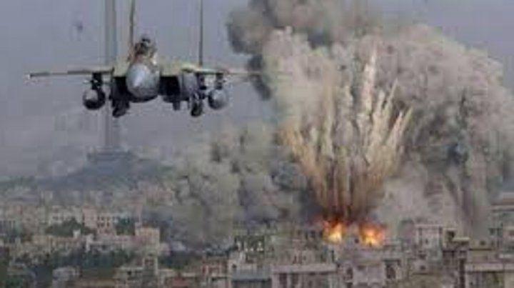 La Fuerza Aérea israelí atacó a un grupo de palestinos que estaba lanzando globos en llamas desde la Franja de Gaza.
