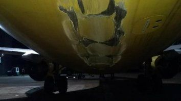 El vuelo FO 5433 fue cancelado en Iguazú. El avión tocó la pista durante la maniobra de despegue.