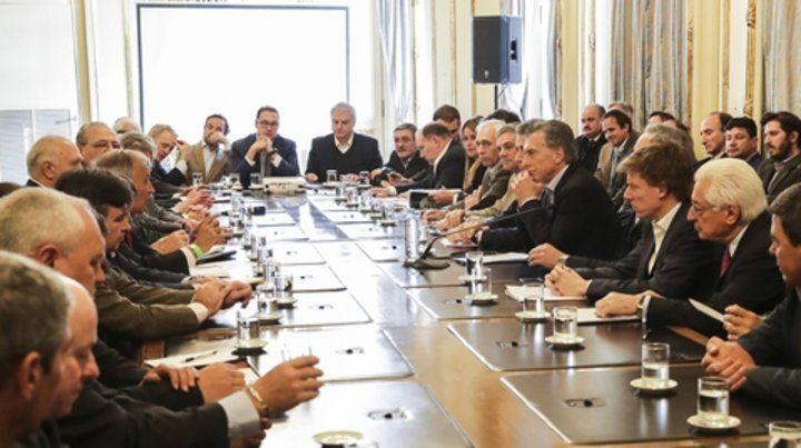A la mesa. Macri recibió a la Cámara de la Industria de Carnes.