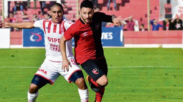 En el lateral. Leonel Ferroni jugará en el partido programado para el primer turno.