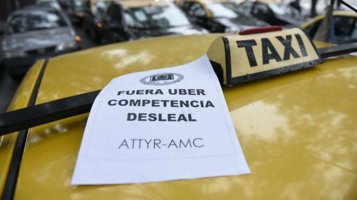 Schmuck aseguró que regular la llegada de Uber anticipa el problema y protege el trabajo