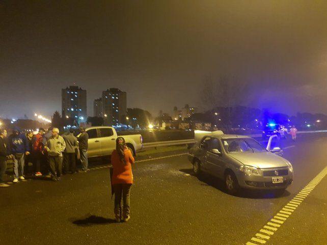 Un accidente de moto desencadenó dos choques múltiples en la avenida de Circunvalación