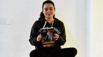 Martina disfruta de la lectura porque le permite trasportarse a otros mundos.