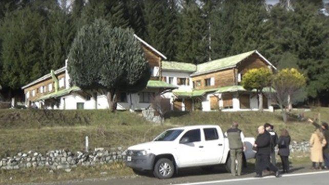 bien público. El hotel Mascardi fue ocupado por los mapuches.