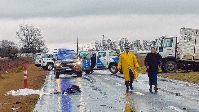 Mortal. Un motociclista falleció ayer tras chocar con un camión en la ruta 34