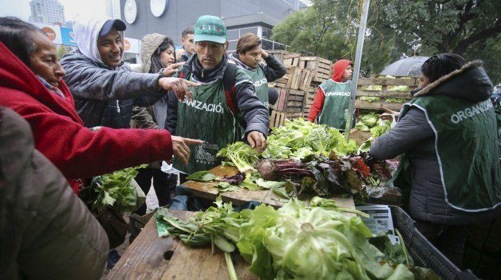Verdurazo. Los productores hicieron una manifestación frente a la Rural.