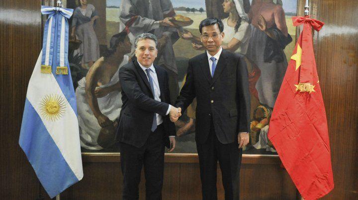 Reunión. El ministro Dujovne se reunió con su par chino.