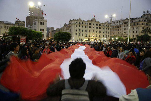 Indignación. Peruanos protestan contra la corrupción en la Justicia.