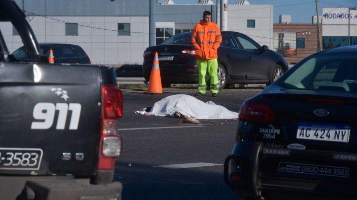 Un motociclista murió en un siniestro vial en Circunvalación y Oroño