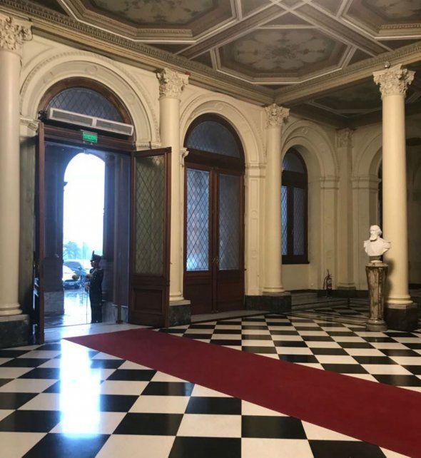 La alfombra roja de la Casa Rosada.
