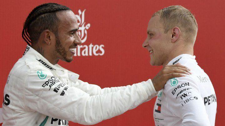 Hamilton ganó en Alemania y subió a la cima del campeonato