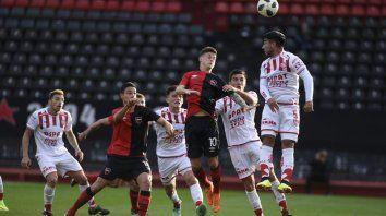 Newells perdió frente a Unión por 1 a 0 y se despidió de la Copa Santa Fe