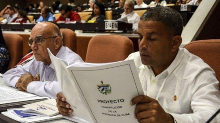 Reformismo. Los diputados cubanos aprobaron por unanimidad el proyecto de nueva Constitución.