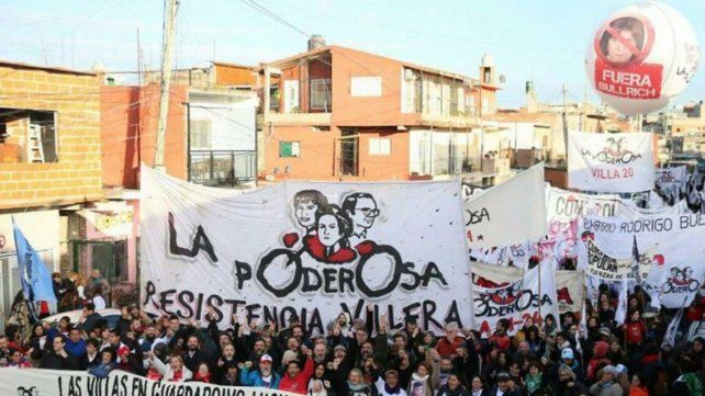 La Poderosa es un movimiento político de carácter apartidario que nació en 2004 en la Villa Zavaleta