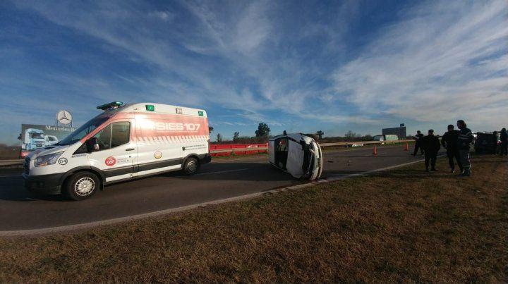 Un impactante accidente bloqueó la autopista a Córdoba
