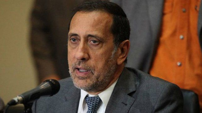 José Guerra dijo que Venezuela enfrenta una reconversión monetaria traumática.
