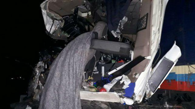 Así quedó la cabina donde viajaba la víctima fatal.